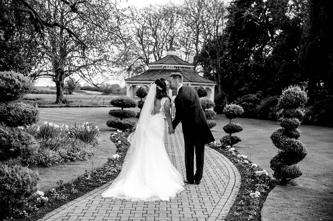 Victoria and Mike's Fabulous Thornton Hall Wedding