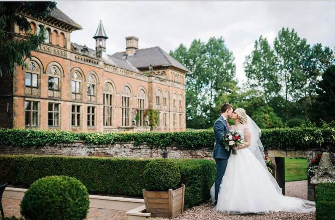 Amy & Daniel's Stunning Soughton Hall Wedding…